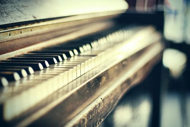 vintage-piano jennifer juan